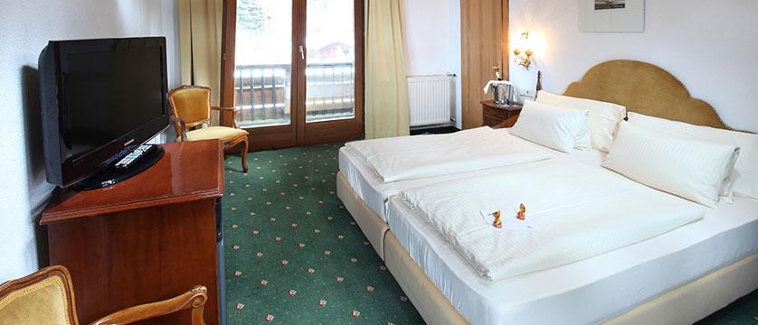 Hotel Tyrol & Alpenhof, Seefeld, Austria - Bedroom.jpg